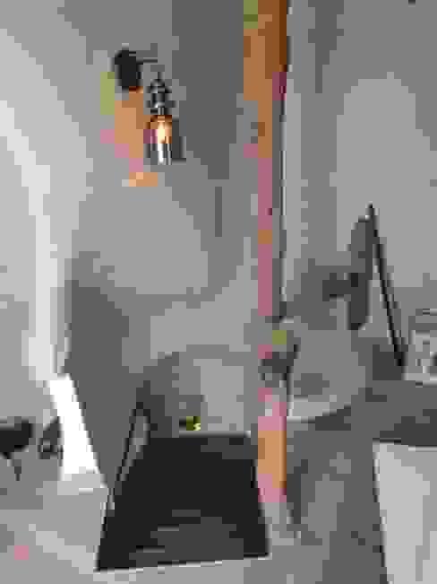 Restauro di una casa molto antica in Francia di Archimania Moderno