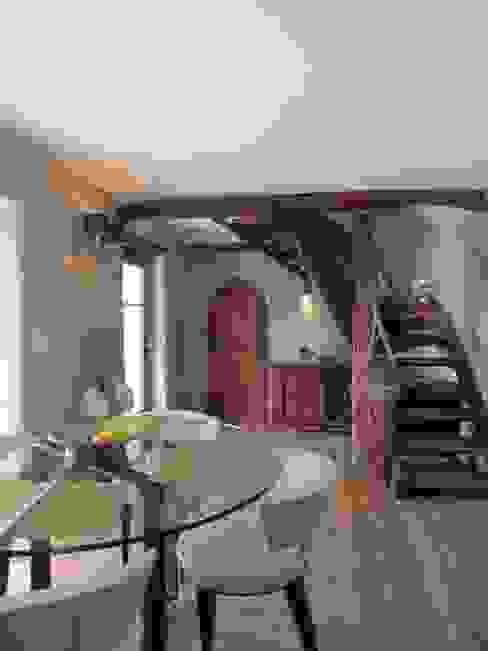 Restauro di una casa molto antica in Francia Sala da pranzo eclettica di Archimania Eclettico