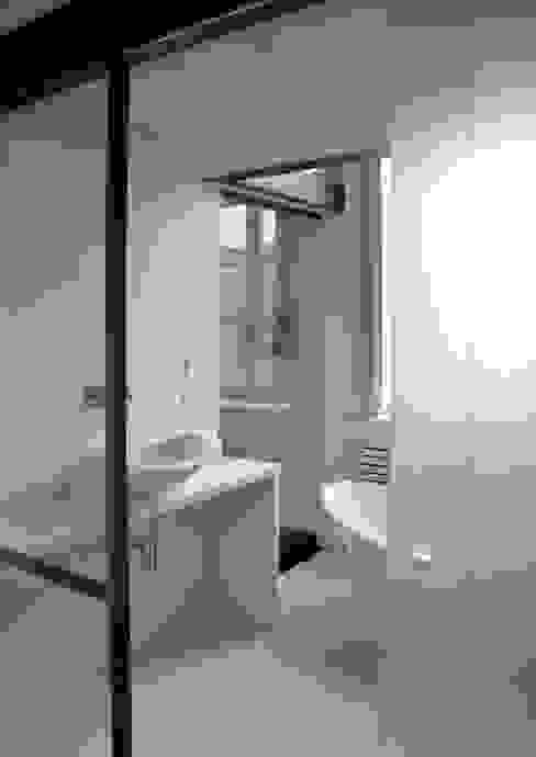 appartamento in piazza della Consolata TORINO Bagno moderno di BOTTEGA STUDIO ARCHITETTI Moderno