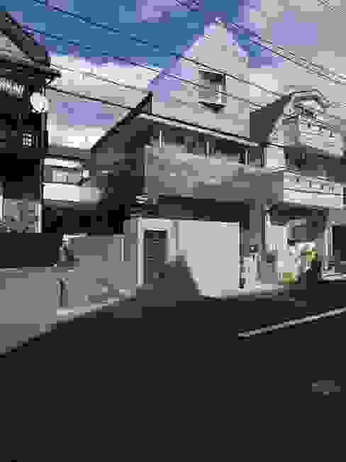 外観: 濱嵜良実+株式会社 浜﨑工務店一級建築士事務所が手掛けた家です。,オリジナル
