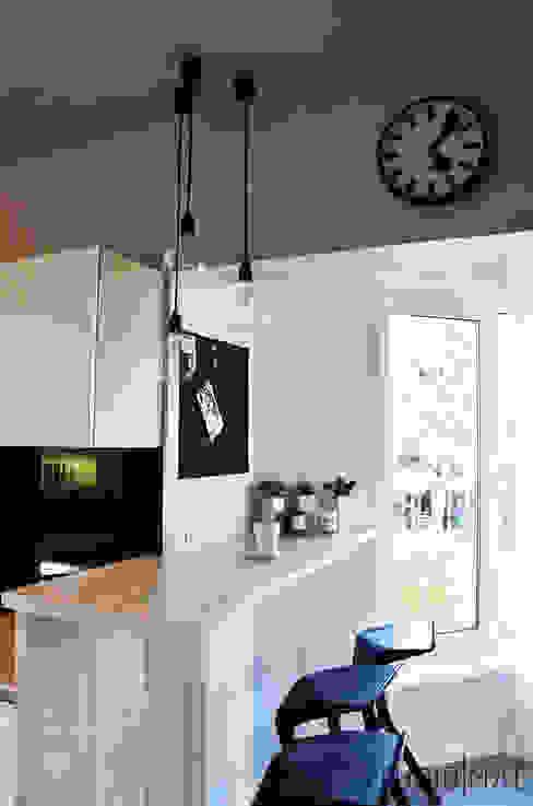 Realizacja projektu kuchni w domu jednorodzinnym Nowoczesna kuchnia od STUDIO MAC Nowoczesny