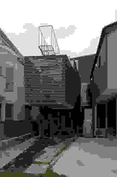 外観 モダンな 家 の M+2 Architects & Associates モダン