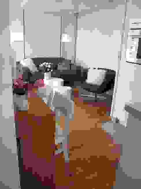Dormitorios de estilo  por Tout Simplement Déco, Moderno
