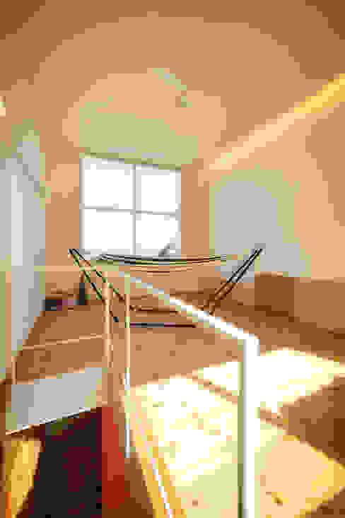 母の家: 長井建築設計室が手掛けたリビングです。,ミニマル