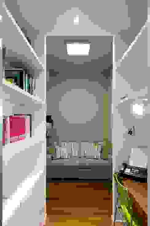 Appartamento alla Caffarella - Roma Studio moderno di Archifacturing Moderno