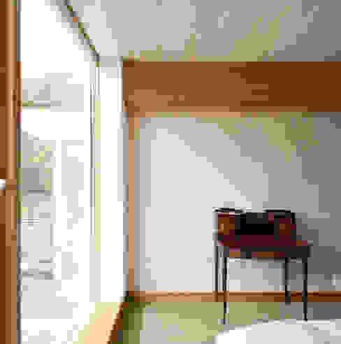 Cavendish Skandynawska sypialnia od Mole Architects Skandynawski