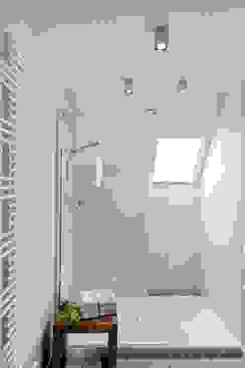 Baños de estilo moderno de INNENARCHITEKTUR BAKENHUS Moderno