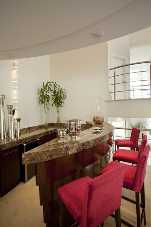 Dining room by Arquiteto Aquiles Nícolas Kílaris, Modern