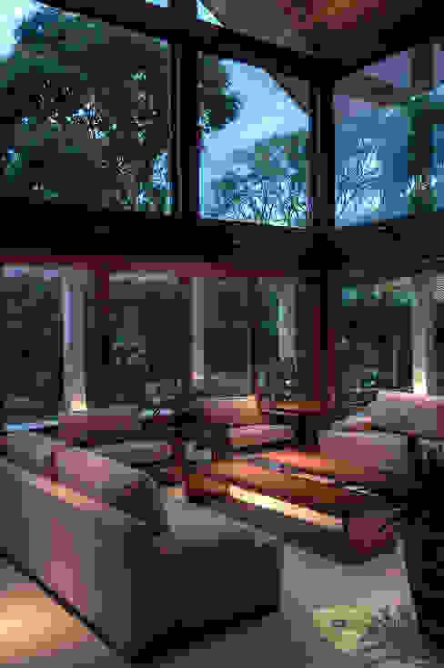 Salas / recibidores de estilo  por Olaa Arquitetos,