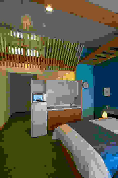 シングルの住室: 有限会社加々美明建築設計室が手掛けた寝室です。,オリジナル