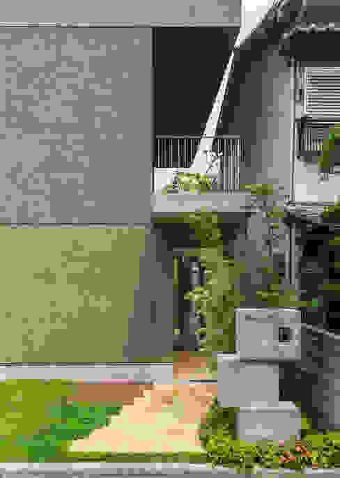 Y-House: タカヤマ建築事務所が手掛けた庭です。,ミニマル