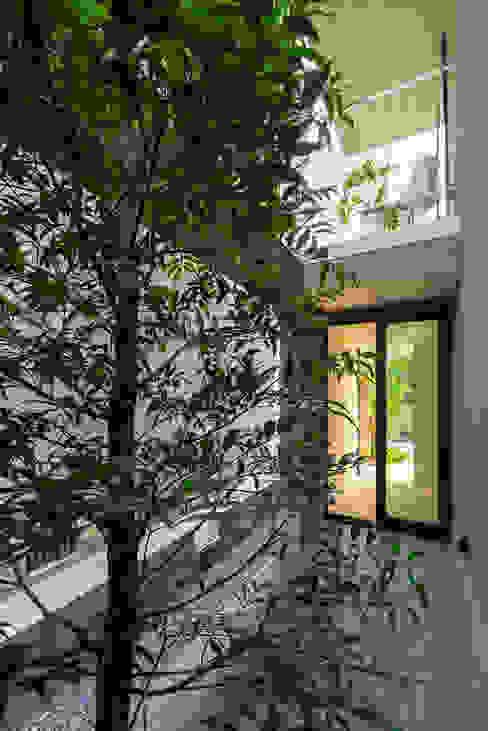 Jardines de estilo minimalista de タカヤマ建築事務所 Minimalista