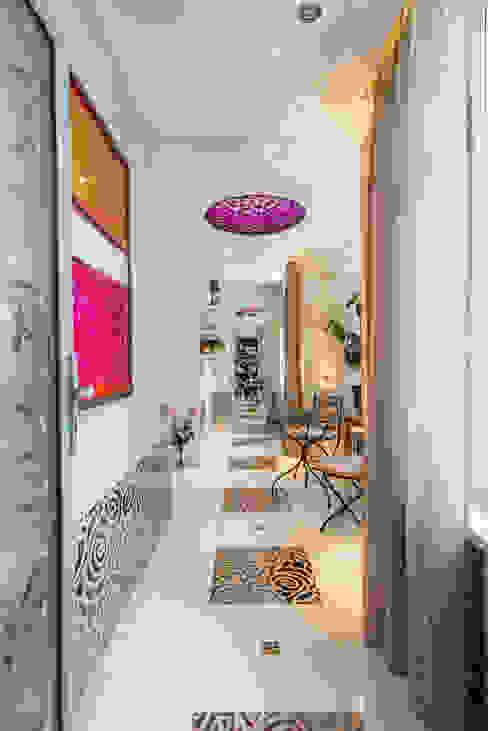 Квартира Коридор, прихожая и лестница в классическом стиле от Кирилл Губаревич Классический