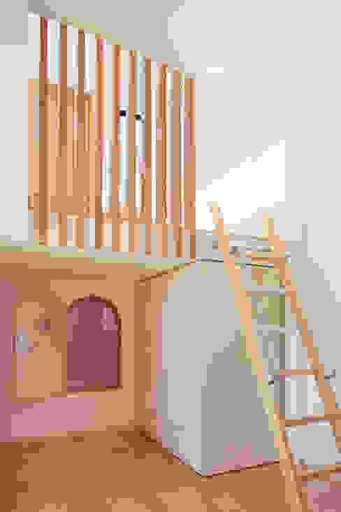 Moderne Kinderzimmer von 守山登建築研究所 Modern