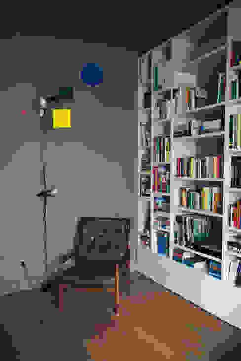 house#01 soggiorno di andrea rubini architetto Scandinavo