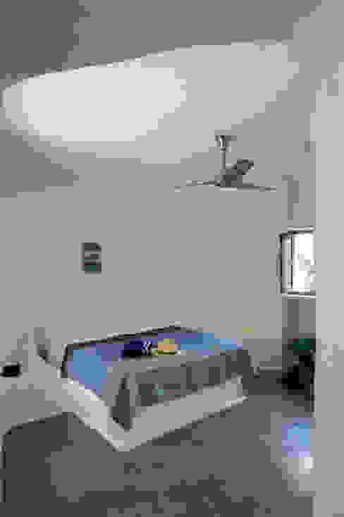 Camera da letto in stile mediterraneo di Deu i Deu Mediterraneo