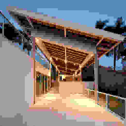 Terrazas de estilo  por JOAO DINIZ ARQUITETURA