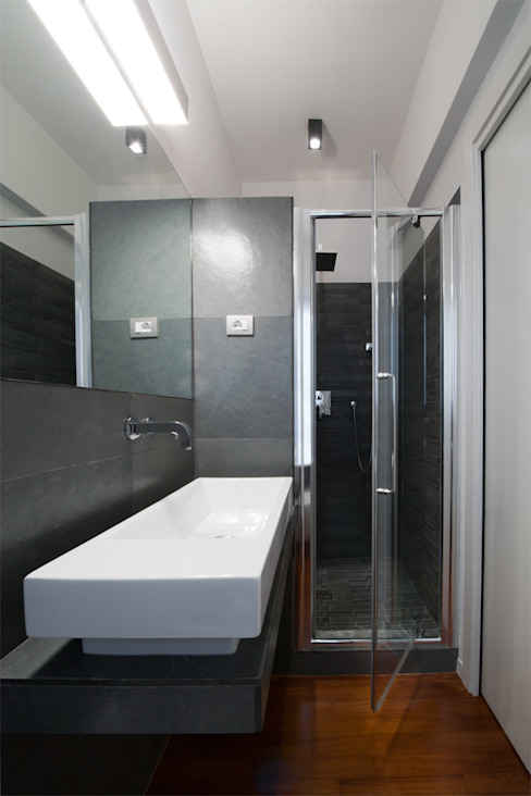 Modern bathroom by Archifacturing Modern