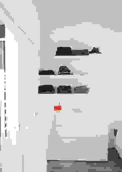 Appartement C Thibaudeau Architecte Dressing minimaliste