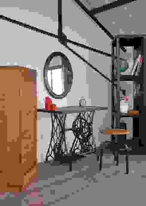Hewel mobilier Industrial style bedroom