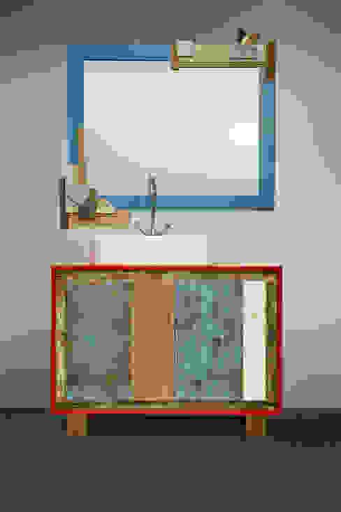 Bagno arancio e blu Laquercia21 Bagno eclettico