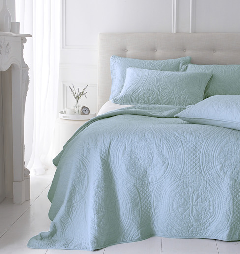 Richmond Quilted Bedspread od Marquis & Dawe Nowoczesny
