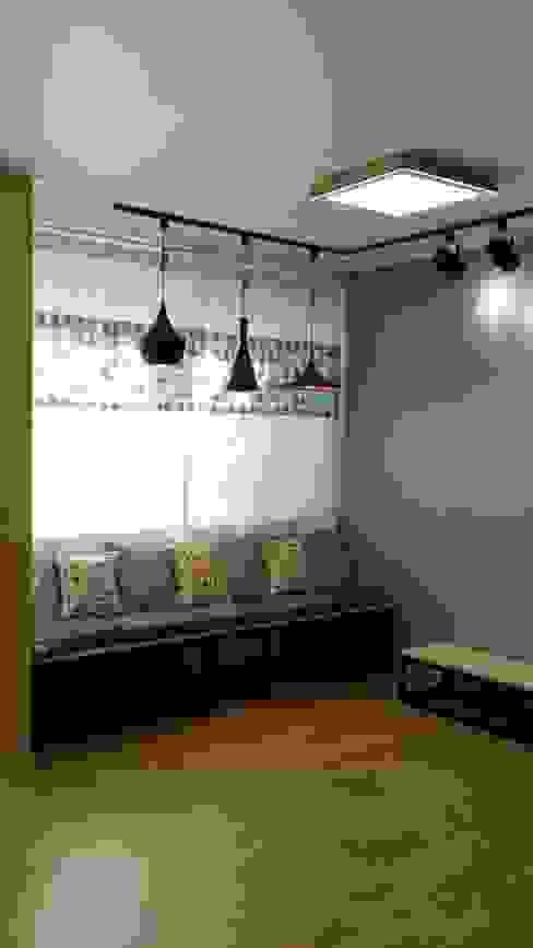 Minimalistische Wohnzimmer von 해밀건축사사무소 Minimalistisch