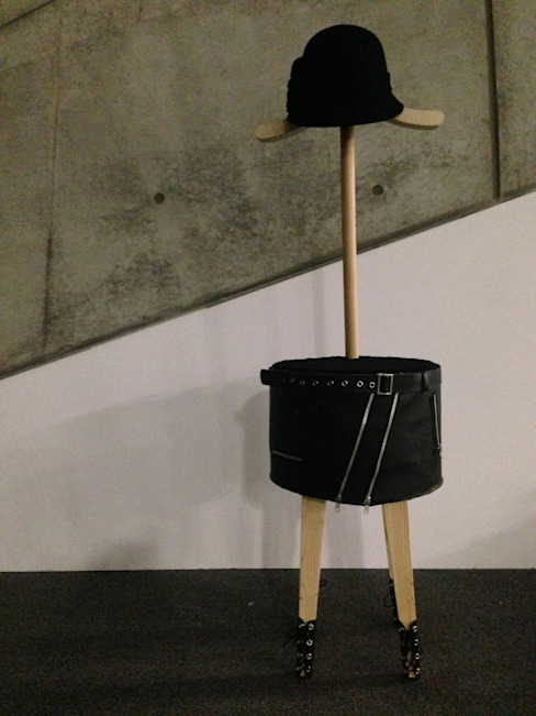Dress up stool: Studio KANALI의  거실,