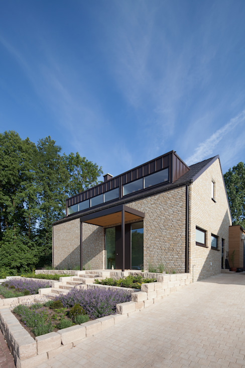 Straßenansicht 1 Moderne Häuser von Hermann Josef Steverding Architekt Modern