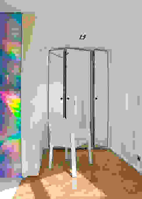 vestiaire d'entrée Couloir, entrée, escaliers modernes par Atelier TO-AU Moderne