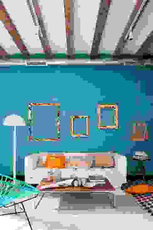 Mediterranean style living room by Egue y Seta Mediterranean