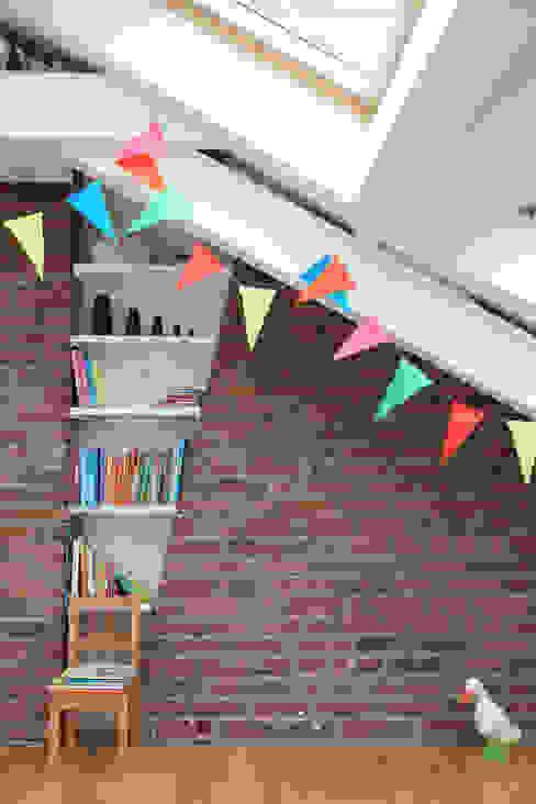 une nouvelle chambre pour les enfants Chambre d'enfant moderne par BuroBonus Moderne