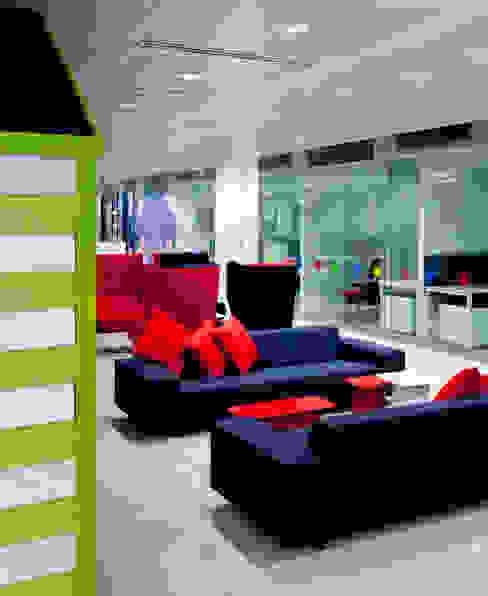 Edificios de Oficinas de estilo  por Hitch Mylius, Moderno