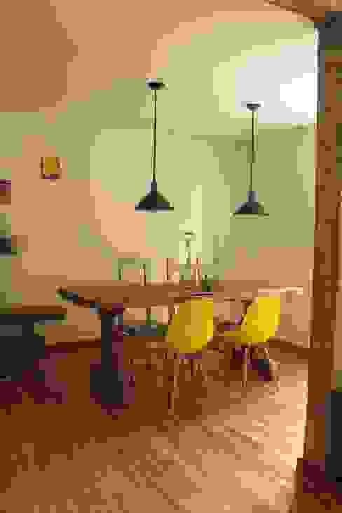 Dining room by Rachel Nakata Arquitetura, Modern