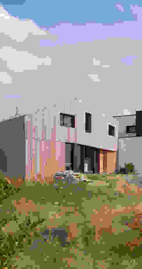ミニマルな 家 の mfa - mélaine ferré architecture ミニマル