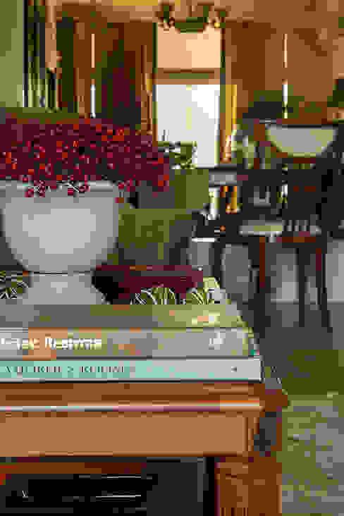 COUTURE INTERIORS Salones clásicos