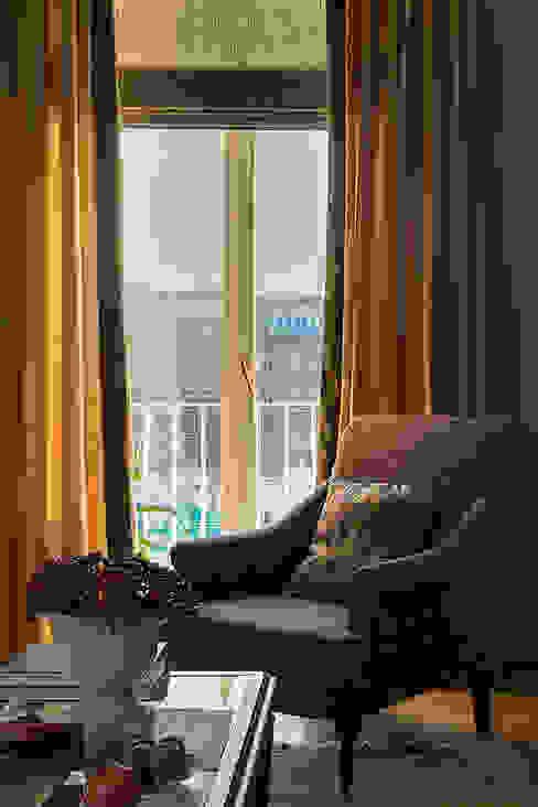 Квартира на Б.Ордынке Гостиная в классическом стиле от COUTURE INTERIORS Классический