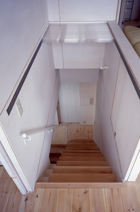 K&K-HOUSE 階段の蓋を開けたところ ミニマルスタイルの 玄関&廊下&階段 の M4建築設計室 ミニマル