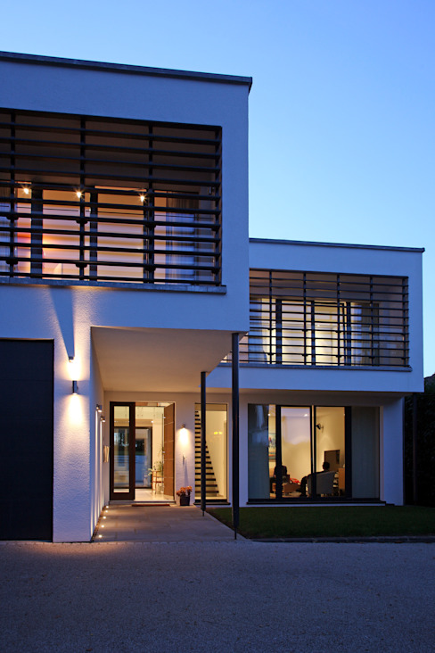 Radlett house من Nicolas Tye Architects حداثي