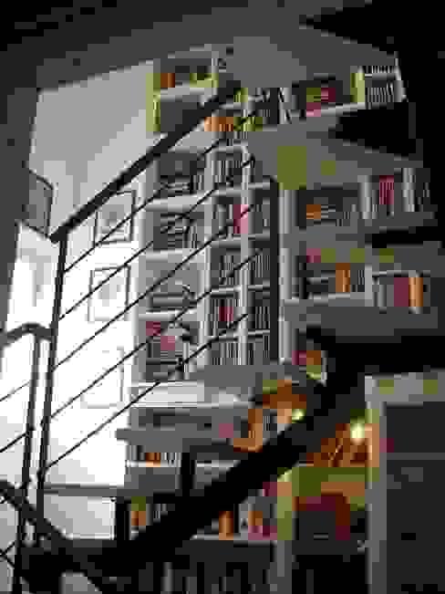 A2architetti Moderne gangen, hallen & trappenhuizen