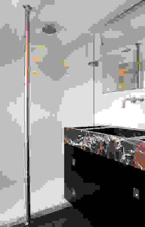 Project I: modern  door Proest Interior, Modern