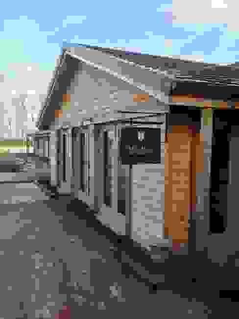 Fletcher's Cottage Entrance Rustieke spa's van Aitken Turnbull Architects Rustiek & Brocante