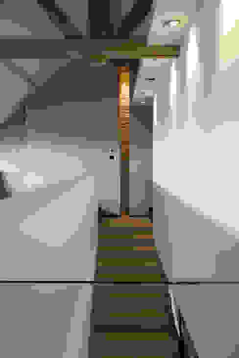 Pasillos y hall de entrada de estilo  por GUILLAUME DA SILVA ARCHITECTURE INTERIEURE, Ecléctico