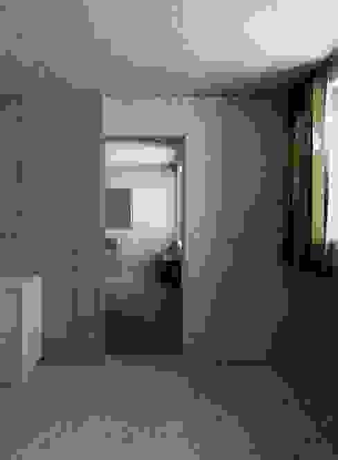 Holzkristall Moderner Flur, Diele & Treppenhaus von Hurst Song Architekten Modern