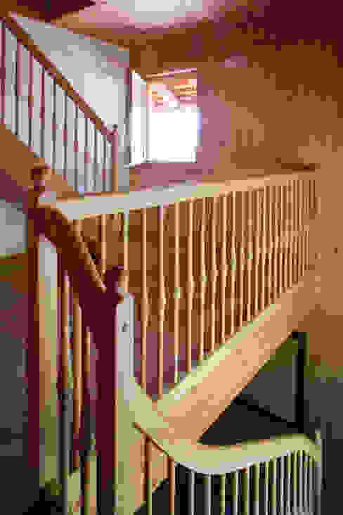 Thoma Holz GmbH의  주택, 러스틱 (Rustic)