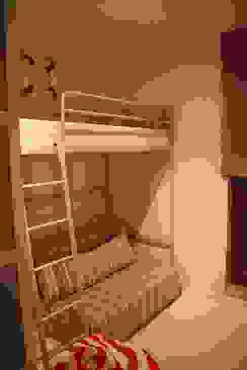 Pokój młodzieżowy Comfort & Style Interiors Minimalistyczny pokój dziecięcy