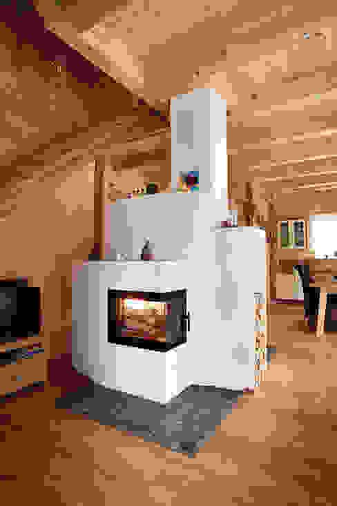 Casas campestres por Thoma Holz GmbH Campestre