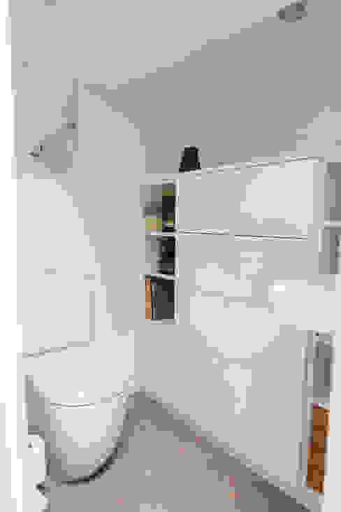 Toilettes mezzanine Lise Compain Salle de bain moderne