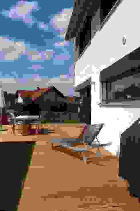 Patios & Decks by Architekturbüro Arndt, Modern