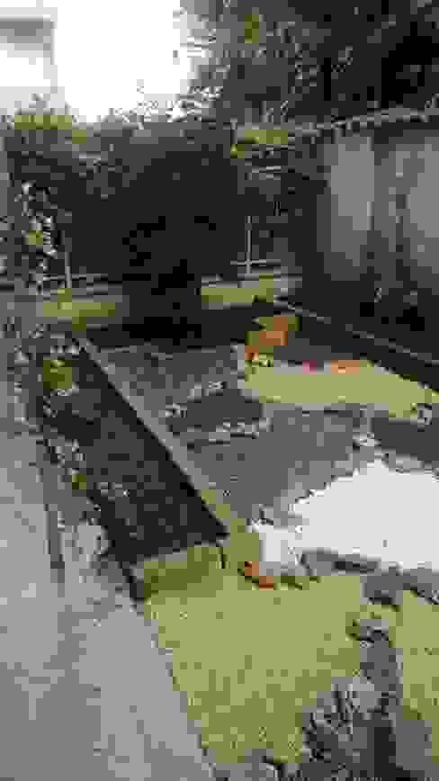 La Nuova Fioreria Giardino in stile mediterraneo di lanuovafioreria Mediterraneo